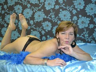 AlishaMilf - I´m a hot, mature woman with great body!