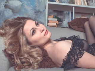 AngelaSt - Hot body, blue eyes and waiting for you.
